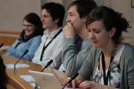Die Achte Minute immer im Einsatz für euch: Live-Tweets vom Finale aus dem Landtag Rheinland-Pfalz. (Foto: Ha Dinh Van)