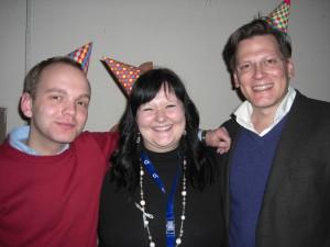 Die Sieger des Streitkultur-Cups 2011 (v.l.n.r.): Sven Hirschfeld, Franzi Kriegelstein und Daniel Sommer - die Hütchen sind Teil des Titels. (Foto: Philipp Stiel)