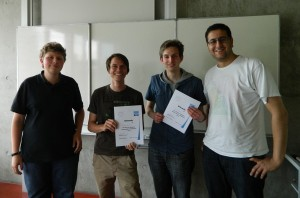 Die stolzen Sieger mit den Präsidenten der Debattierclubs Stuttgart und Hohenheim. Von links: Sven M. Hein, Matthias Steinert, Kai Nosbüsch und Yusuf Sengül.