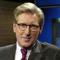 """Zu Beginn der Sendung bekam jeder der vier Mitstreiter fünf Minuten Zeit, seine Argumente am gläsernen Pult in freier Rede auszubreiten – ein """"Luxus im Fernsehen"""", befand Moderator Theo Koll; Foto: ZDF"""