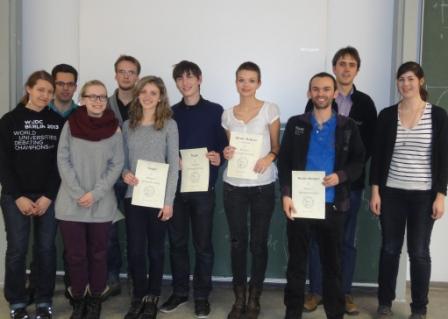 Das Siegerteam, der beste Redner der Vorrunden, die Finaljury und die Präsidentin des DCJG