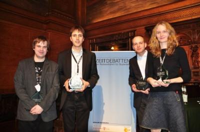 Die Sieger in Hamburg: Georg Sommerfeld (Berlin, bester FInalredner) und Heidelberg Debating (Tom-Michael Hesse, Sven Hirschfeld und Wiebke Nadler)