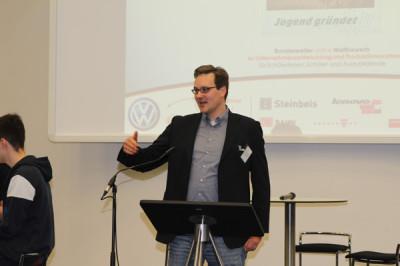 Thore Wojke, Moderator der Showdebatte
