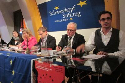 Debattieren über die EU: Mendelsohn, Thein, Krakowiak, Zimmermann, Ohm (v.l.n.r.) (c) Ohm/BDU