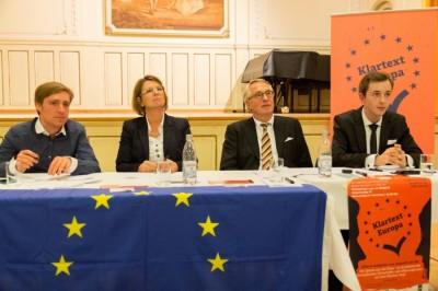 Debattierten in Frankfurt über Europa: Dreher, Hinz, Klinz, Schuppener (v.l.n.r.) (c) Henrik Maedler