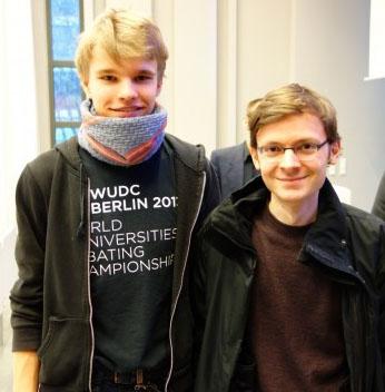 Yannick Lilie (l.) und Filip Bubenheimer gewinnen als BDU YF das Berlin Punk-Turnier 2014 (c) Sven Moritz Hein