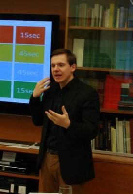 """Roman Pable bei einem Workshop des Programms """"Talente Österreichs"""" (c) AFA DC Wien"""