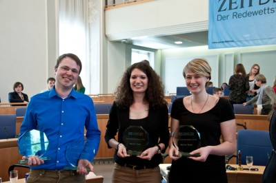 Sieger der ZEIT DEBATTE Mainz 2014: Marcel Giersdorf, Sarah Kempf, Anna Mattes (v.l.) (c) Michael Schindler