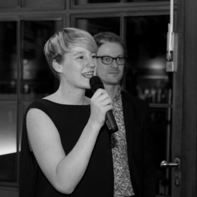 Cheforganisatorin Anna Mattes mit Kai Dittmann beim Gala-Abend (c) Henrik Maedler