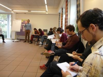 Die Teilnehmer notieren sich Carstens Tips. (c) Thore Wojke