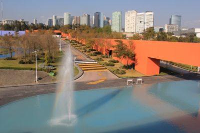 Another view on the Tecnológico de Monterrey Campus Santa Fe - © Asociación Mexicana de Debate